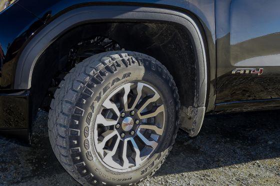 2019 GMC Sierra 1500 AT4 Tire