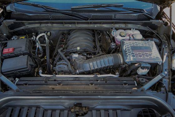 2019 GMC Sierra 1500 AT4 Engine Bay